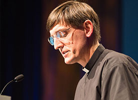 LCMS Delegates pass resolutions on study of licensed lay deacons, Lord's Supper oversight