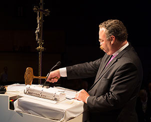 The Rev. Dr. Matthew C. Harrison bangs the historic gavel to close the 2013 LCMS convention. (LCMS Communications)