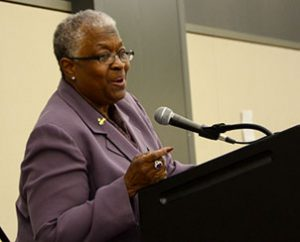 Keynoter Dr. LuJuana Butts addresses convention-goers at a Special Interest Luncheon. (Lutheran Women's Missionary League/BBM Photo)
