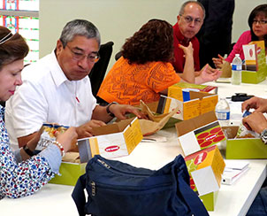 """Conference participants visit during mealtime at the """"What's Working in Hispanic Ministry"""" conference in San Antonio. The event was held for Texas-area Hispanic ministry workers. (LCMS Texas District)"""