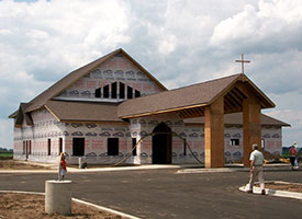 Manteno, Ill., church rebuilds after storm