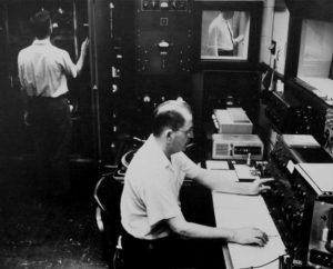 A view of the KFUO-AM studio, circa 1924.