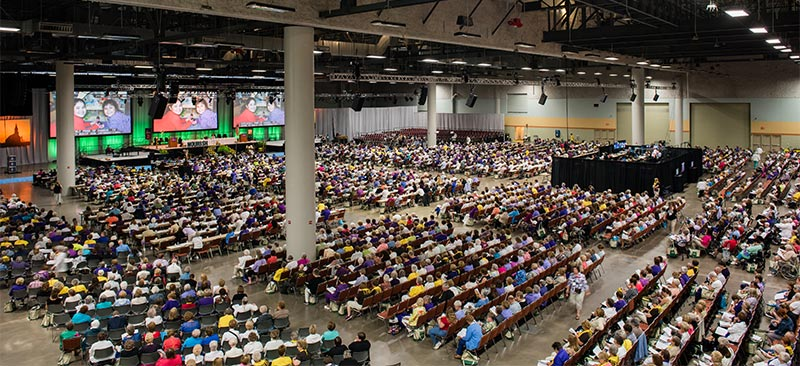 More than 4,600 people gather at the 36th Biennial Convention of the Lutheran Women's Missionary League in Des Moines, Iowa. (LCMS Communications/Erik M. Lunsford)