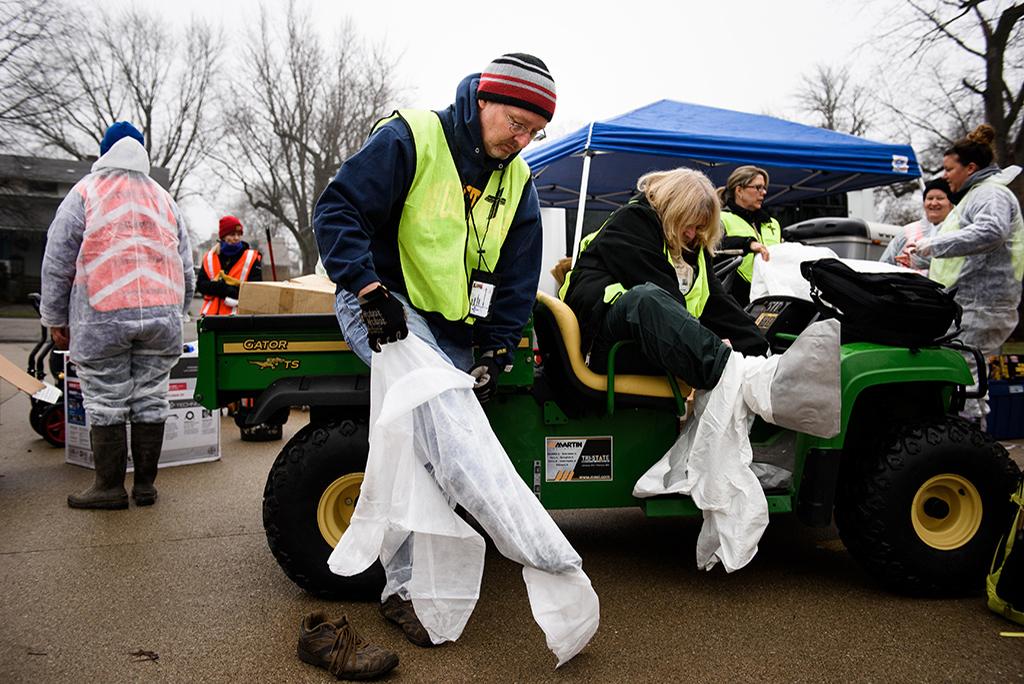010916-eml-watseka-cleanup-008