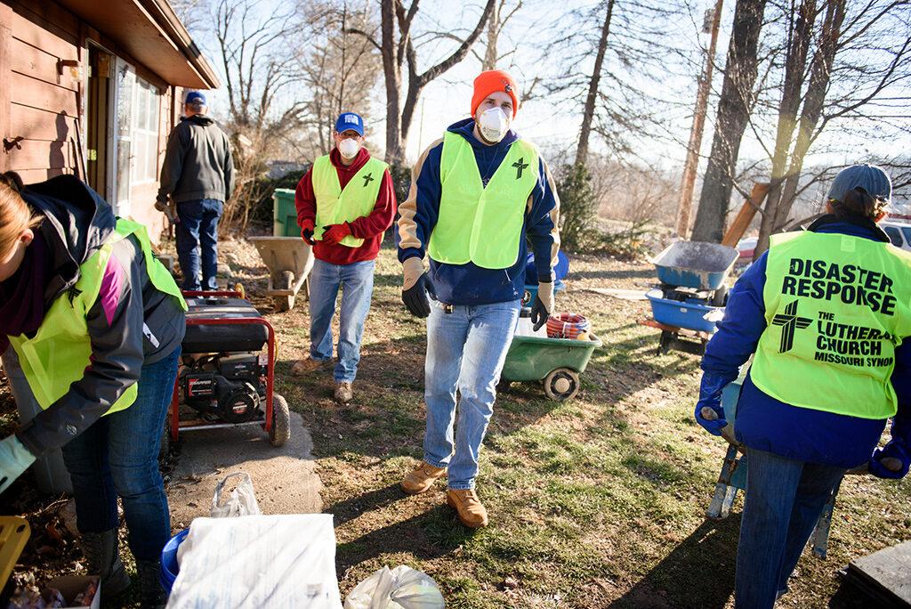 011416-eml-IC-flood-volunteer-010_w