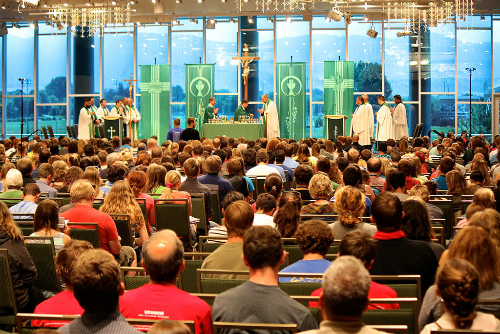 Participants in this summer's Higher Things conference at Colorado State University in Fort Collins gather July 29 for the closing Divine Service. (Higher Things/Ann Osburn)