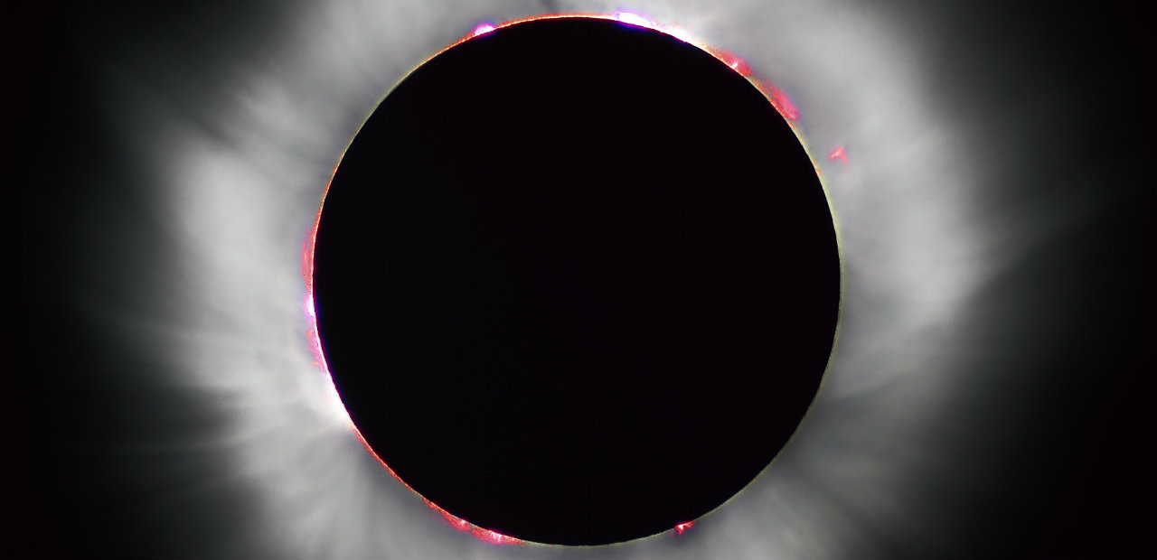 By Oregon State University (Solar eclipse) [CC BY-SA 2.0 (http://creativecommons.org/licenses/by-sa/2.0)], via Wikimedia Commons